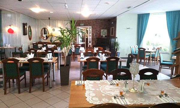 Hotel z restauracją